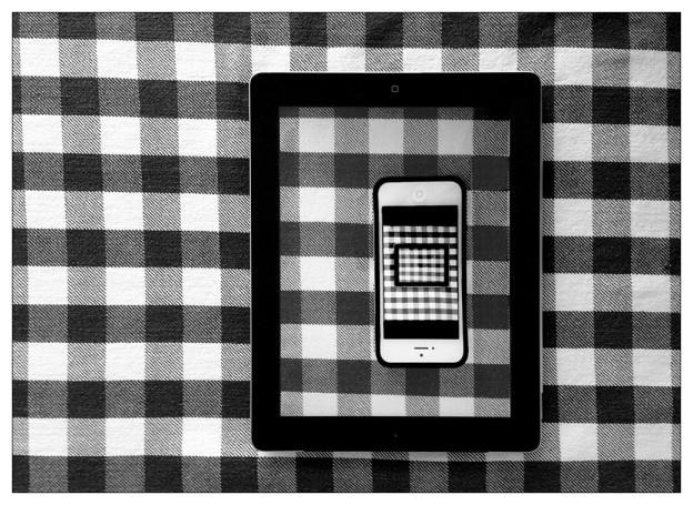 B&W Grid iOS iPhone iPad