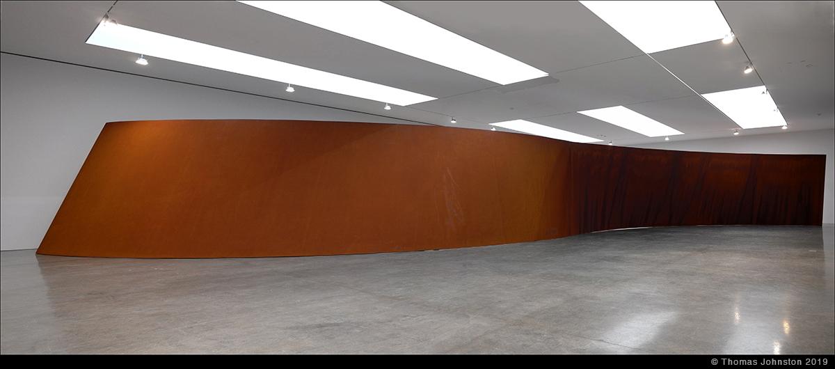 Richard Serra – Reverse Curve